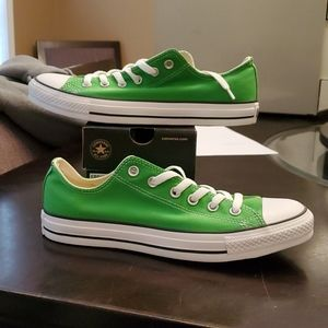 BRAND NEW MEN'S CONVERSE CHUCK TAYLOR ALL-STAR LOW